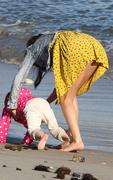 th 32019 selena1 123 1019lo Selena Gomez   hanging with family at a beach in Malibu 02/17/12