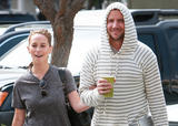 Jennifer Love Hewitt & Jamie Kennedy  Candids Getting Fast Food  April 3, 2009 (13 MQ)