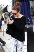 Мэнди Мур, фото 3409. Mandy Moore - out and about in Los Angeles 03/06/12, foto 3409
