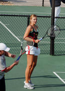 http://img212.imagevenue.com/loc812/th_441278349_Sharapova_training_2006_03_122_812lo.jpg